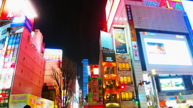 新宿に巨大猫が現われたのはなぜ?どこでいつ見られるのかも調査!